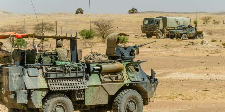Un communiqué du ministre de la défense du Mali évoque«une opération antiterroriste de la force Barkhane au cours de laquelle des militaires maliens, détenus par des terroristes, ont trouvé la mort ».