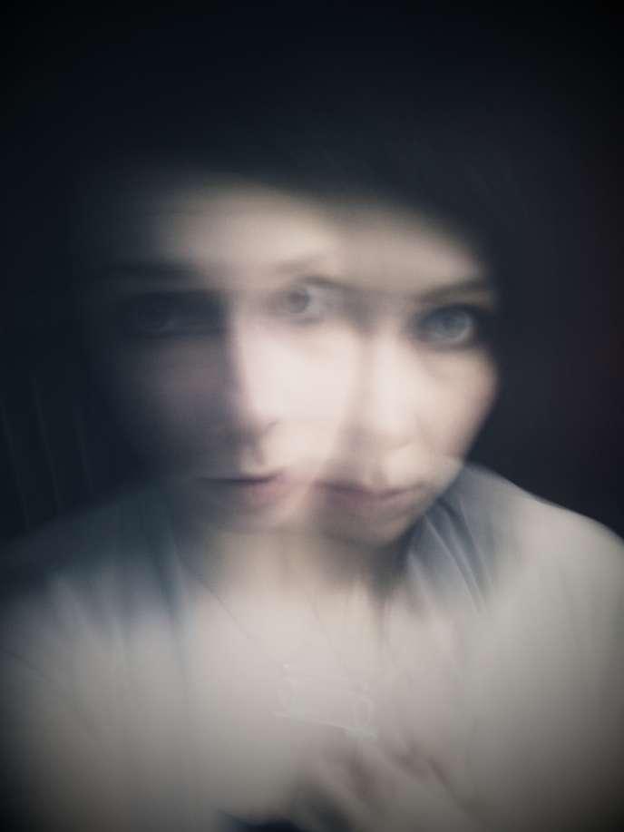 La schizophrénie, affectant la personnalité et les comportements, reste stigmatisée au bureau.