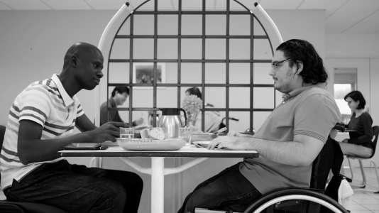 «Talla», réalisé par Pierre Mobèche à partir de l'histoire de Talla Samb (à gauche), a reçu le grand prix du festival Regards croisés en 2016.