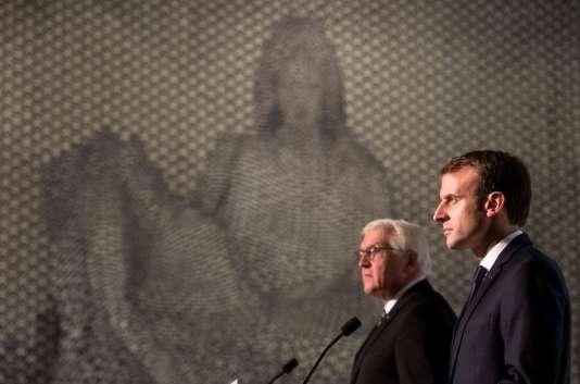 Emmanuel Macron le président allemand Frank-Walter lors de l'inauguration du mémorial franco-allemand àHartmannswillerkopf ( Haut-Rhin), le 10 novembre.