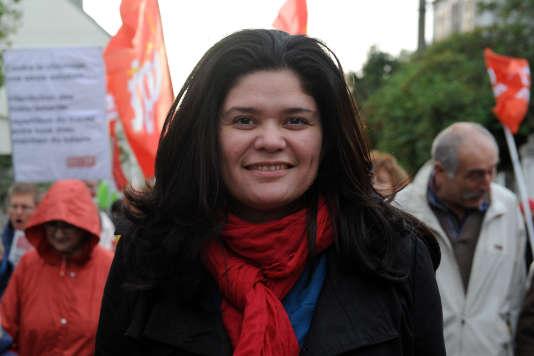 Raquel Garrido, alors secrétaire nationale du Parti de gauche, lors d'une manifestation pour l'emploi à Carhaix-Plouger (Finistère), en novembre 2013.
