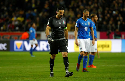 Gianluigi Buffon et Leonardo Bonucci lors du match face à la Suède.