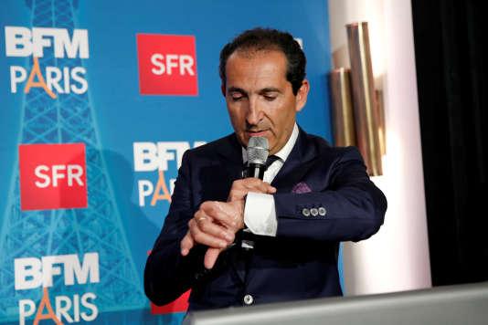 Patrick Drahi, PDG du groupe Altice, lors d'une intervention devant les médias, le 7novembre 2016.