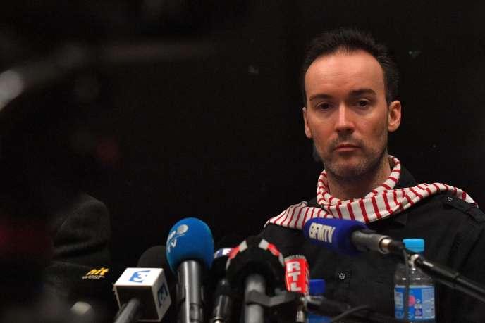 Yoann Barbereau, ancien directeur de l'Alliance française à Irkoutsk, lors d'une conférence de presse, àNantes, le 10 novembre.