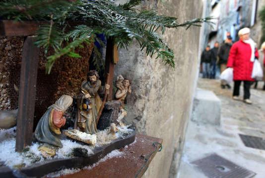 Une crèche de Noël dans les rues de Lucéram, dans les Alpes-Maritimes.