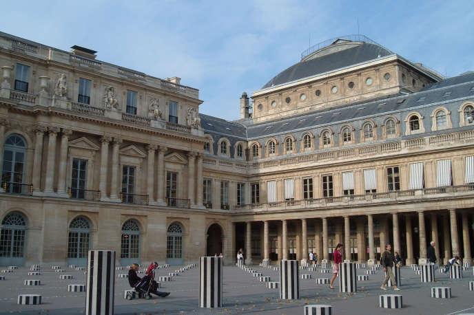 Le monde de la culture subit depuis une dizaine d'années une stagnation – et, de fait, une érosion – du soutien public (en photo : le ministère de la culture à Paris).