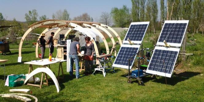 Eco Design Camp organise des ateliers de formation in situ à la transition énergétique.