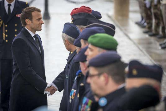 Emmanuel Macron lors de la célébration du 99ème anniversaire de l'armistice du 11 -Novembre 1918 sous l'Arc de Triomphe, à Paris.