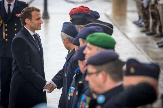 Emmanuel Macron lors de la célébration du 99e anniversaire de l'armistice du 11-Novembre 1918 sous l'Arc de triomphe, à Paris.