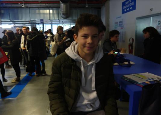 Mathis, 15ans, qui voudrait devenir comédien, envisage d'abord de faire une école d'ingénieur.