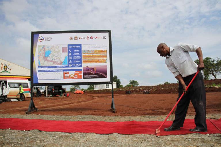 Près du village de Kabaale, dans la région de Hoima, au centre de l'Ouganda, où le pipeline ougando-tanzanien doit commencer sa construction. Cérémonie de pose de la première pierre le 1 novembre 2017.