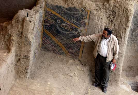 Lors de la découverte du site archéologique deVentarrón par Walter Alva, en 2007.