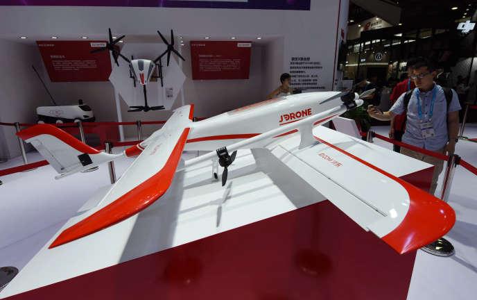 Un drone de JD.com exposé au salon CES (Consumer Electronics Show) de Shanghaï, le 7 juin.
