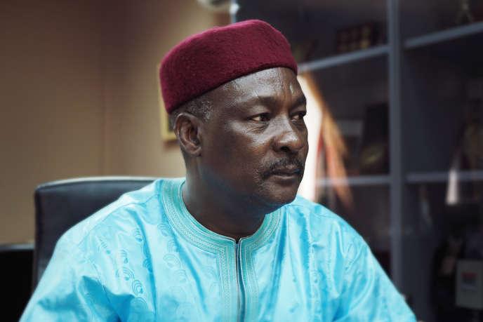 Kalla Moutari, ministre de la défense du Niger, le 1er novembre 2017 dans son bureau, à Niamey.
