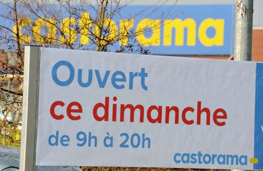 A Castorama, le syndicat évalue à « environ 500 » le nombre de postes menacés au total, dont « 200 à 250 » au siège de Templemars, dans le Nord.
