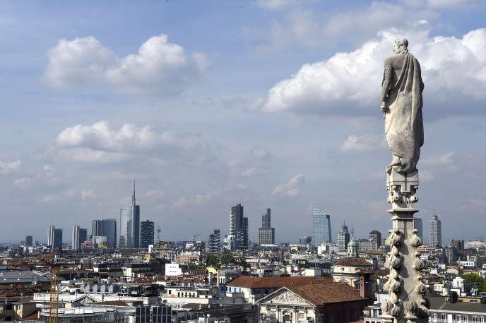 Le nouveau quartier des affaires de Milan, vu du Duomo.