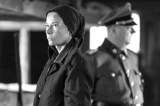 Julia Vytsoskaïa etPeter Kurth dans le film russe d'Andreï Konchalovsky,«Paradis» («Ray»).