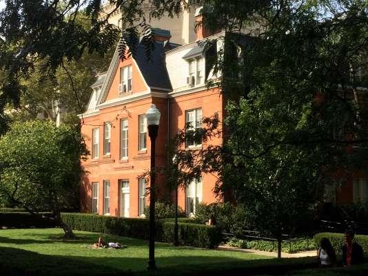 La Maison française de Columbia, plus vieux bâtiment du campus actuel, hérité de l'asile de Blooming.