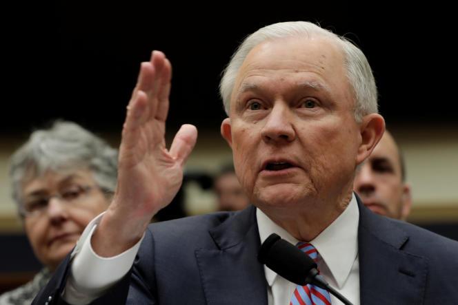 Le ministre américain de la justice, Jeff Sessions,pendant une audition devant la commission des affaires judiciaires de la Chambre des représentants, mardi 14 novembre.