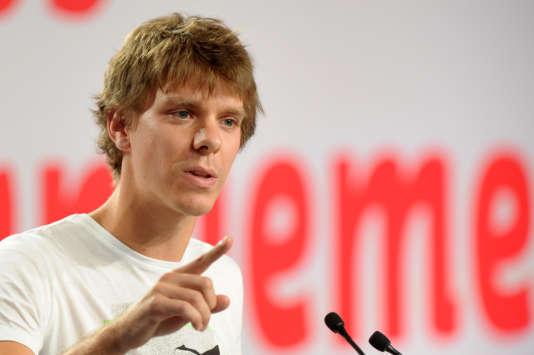 Thierry Marchal-Beck à La Rochelle, le 26août 2012, lors d'un meeting du Mouvement des jeunes socialistes (MJS) qu'il présidait alors.