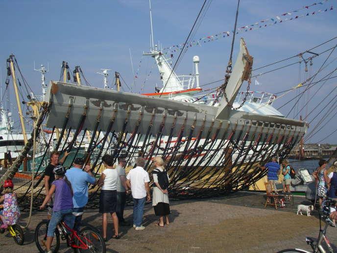 «La réduction de l'effort de pêche doit être un cap prioritaire à tenir avec une fermeté absolue pour permettre aux stocks de poissons de se reconstituer» (Un chalut électrique).