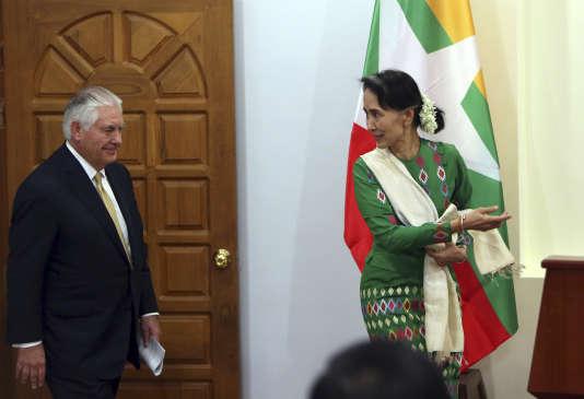 Rex Tillerson et Aung San Suu Kyi, le 15 novembre àNaypyidaw.