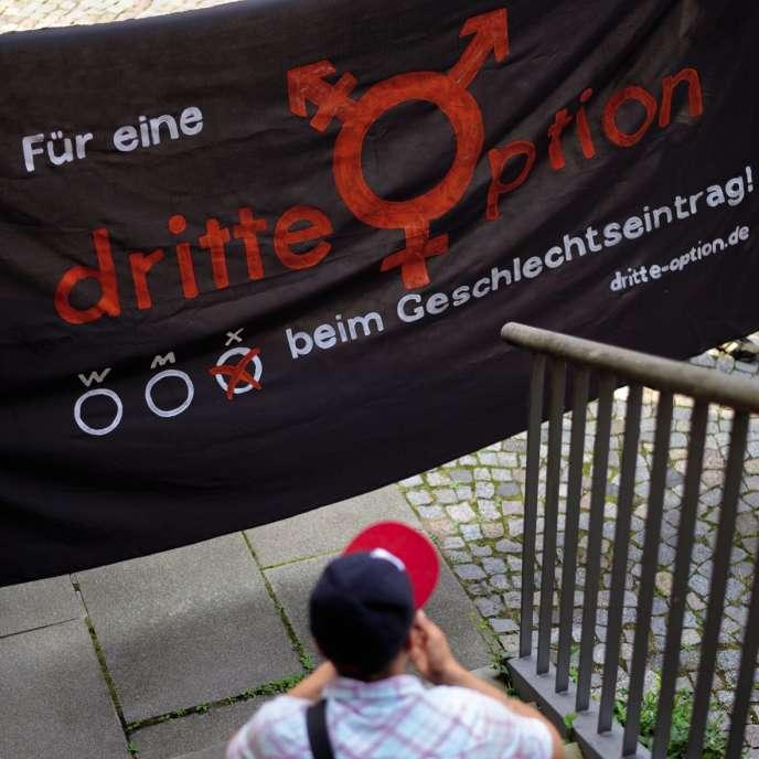 Le collectif allemand Dritte Option (« troisième option ») milite pour la reconnaissance des personnes intersexes. Ici, Vanja, dont l'action en justice a permis cette reconnaissance.