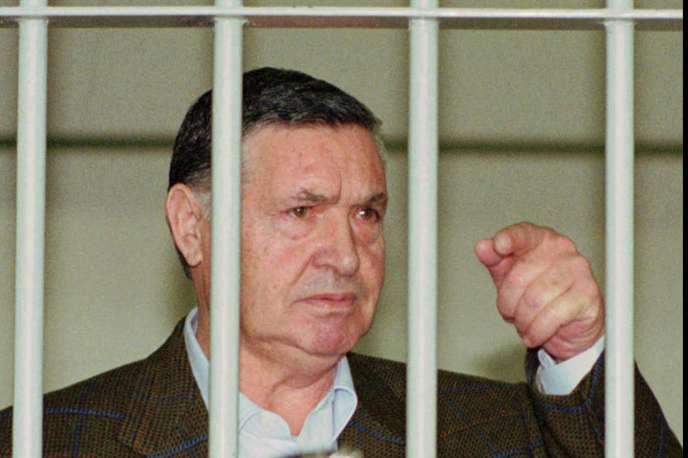 Salavtore «Toto» Riina le 29 avril 1993 lors de son procès à Rome.
