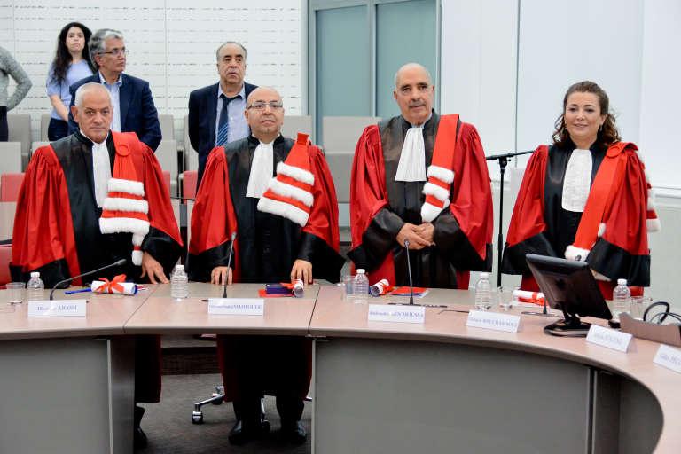 Le 10novembre 2017, le «Quartet» tunisien a reçu la distinction de « docteur honoris causa » de l'université Paris-Dauphine : Houcine Abbassi (UGTT), Mohamed Fadhel Mahfoudh (Ordre des avocats),Abdessattar Ben Moussa (LTDH) et Ouided Bouchamaoui (Utica).