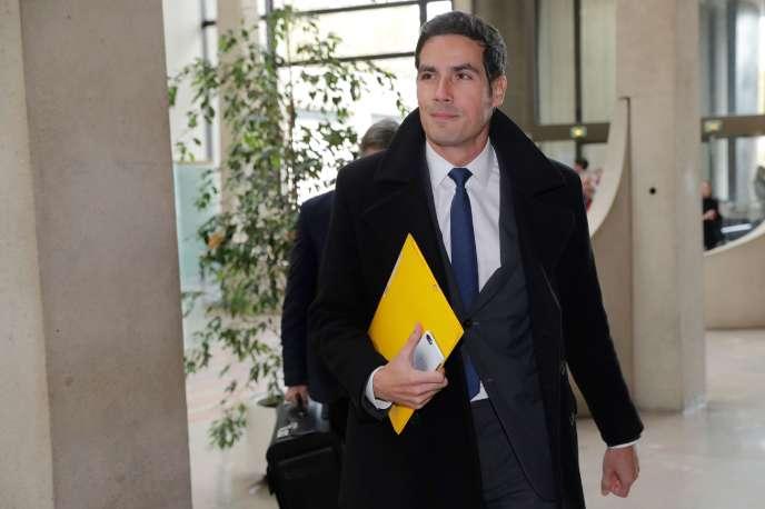 Mathieu Gallet, le président de Radio France, arrive au tribunal correctionnel de Créteil, le 16 novembre.