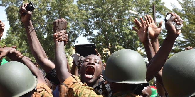 A Ouagadougou, le 31octobre 2014, après la démission du président burkinabé, Blaise Compaoré, sous la pression populaire.