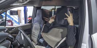 Des chercheurs se déguisent en siège pour faire communiquer des voitures sans chauffeur.