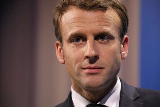 Emmanuel Macron a été interrogé à l'issue d'un sommet de l'UE à Göteborg, vendredi 17 novembre, à propos de la tribune de 2 000 musiciennes suédoises dénonçant des harcèlements et des viols dans le milieu de la musique.
