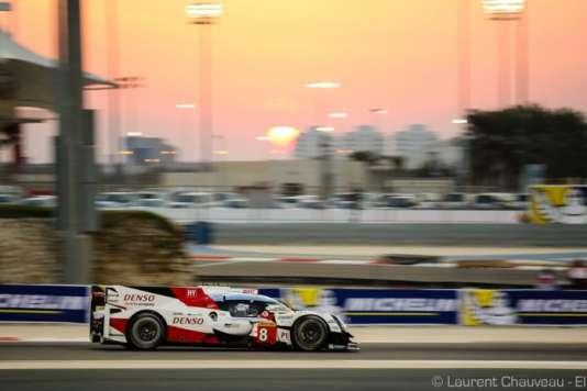 L'Hybride #8 Toyota termine en tête la deuxième séance d'essais libres des 6 Heures de Bahreïn, le 16 novembre.