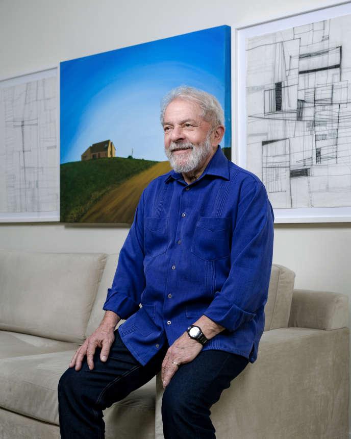 Dans son bureau de l'institut Lula, à Sao Paulo, le 17 novembre.