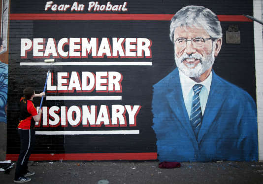 Fresque représentant Gerry Adams sur un mur de Belfast-Ouest, le 2 mai 2014.