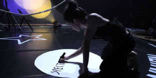 « Circus Remix», de et avec Maroussia Diaz Verbèke au Cenquatre à Paris jusqu'au 25 novembre 2017.