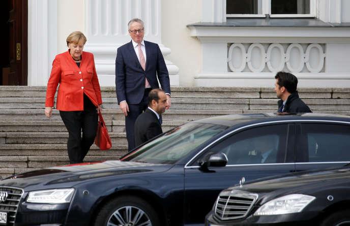 La chancelière allemande, Angela Merkel, etle président allemand, Frank-Walter Steinmeier,à Berlin, le 20 novembre, après l'échec des négociations de coalition pour former un gouvernement.