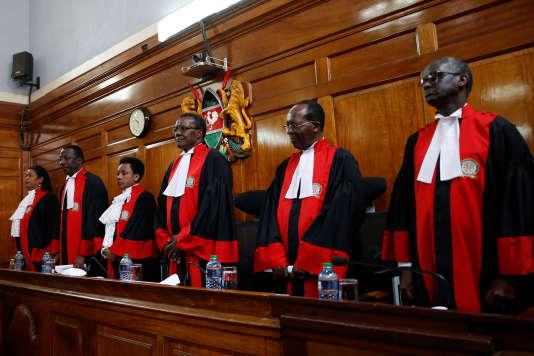 «La réélection de M. Kenyatta est confirmée», a déclaré le président de la Cour suprême, David Maraga.