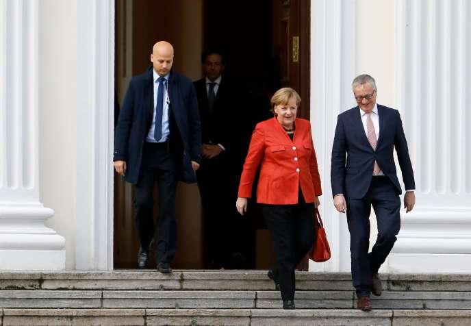 La chancelière allemande, Angela Merkel, quitte la résidence présidentielle à Berlin, où elle a rencontré le président après l'échec des négociations pour former une coalition, le 20 novembre.