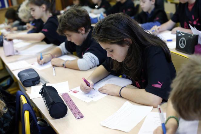 Dans une école à Paris le 13 octobre 2014.