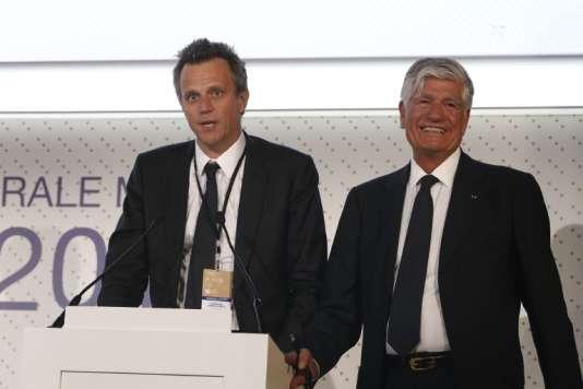 Lors du passage de relais entre Maurice Lévy et Arthur Sadoun à la tête de Publicis, au cours de l'assemblée générale du groupe, le 31 mai. Publicisa augmenté son dividende de 15,6 % en euros entre juin et septembre.