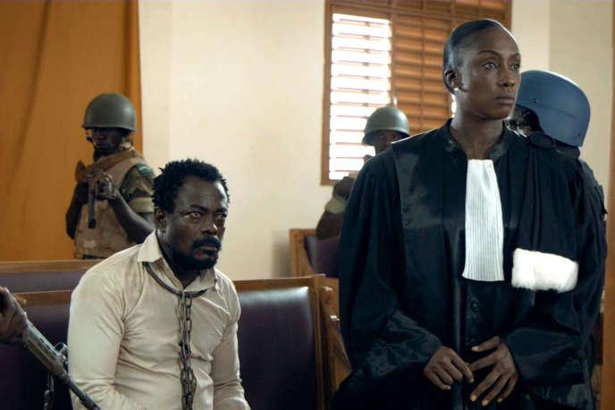 Fargass Assandé et Maïmouna N'Diaye dans«L'Œil du cyclone», film franco-burkinabé de Sékou Traoré.