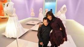 Le musée de Groningue, aux Pays-Bas, a consacré deux expositions à l'œuvre d'Azzedine Alaïa : une première dès 1998 et une autre, inaugurée en décembre 2011 où le couturier était apparu entouré de sa «famille» dont le top model britannique Naomi Campbell.