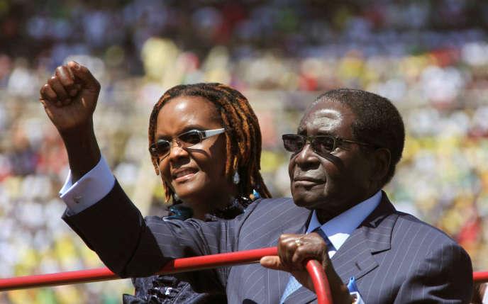 « On se souviendra du président Mugabe comme d'un audacieux combattant de la libération pan-africaniste », affirme l'Union africaine dans un communiqué.