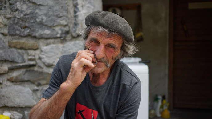 Marcel Etcheverry, 63 ans, berger au pic d'Ansabère (Pyrénées-Atlantiques) en juillet 2017.