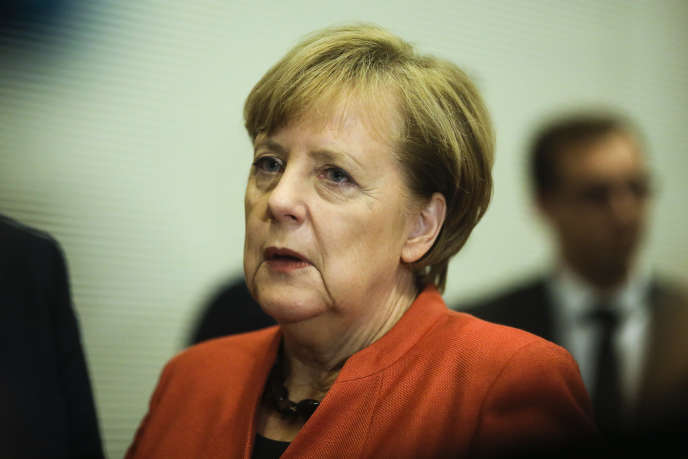 La chancelière allemande et cheffe du parti CDU, Angela Merkel, au Bundestag, le 20 novembre.