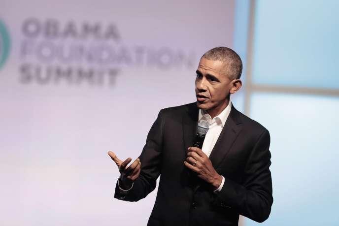 L'ancien président américain, ici lors de la conférence inauguralede la Fondation Obama, à Chicago le 31 octobre.