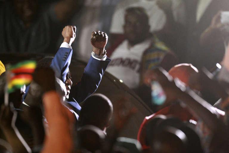 Le nouvel homme fort du Zimbabwe, Emmerson Mnangagwa, surnommé le «Crocodile», est rentré à Harare mercredi 22novembre