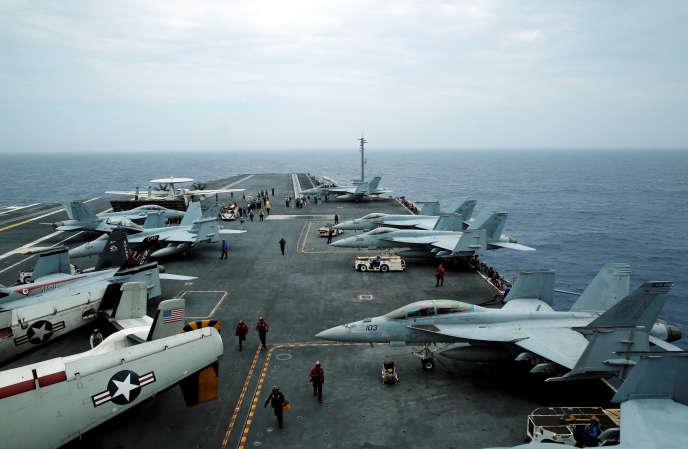 Cet accident survient alors que d'importantes manœuvres aéronavales américano-japonaises se déroulent depuis jeudi dernier près d'Okinawa.